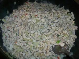 Блинчики с курицей, грибами и сыром. Налистники с начинкой из грибов, сыра и куриного филе: фото к шагу 5.