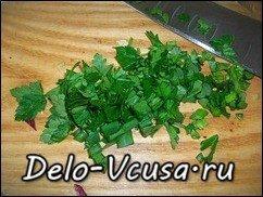 Салат из пекинской капусты, красного цикория и салата-латука с бальзамическим уксусом: фото к шагу 4.