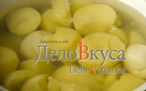 Пюре из картошки со сливками: Отвариваем картошку до готовности