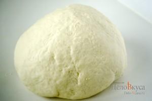 Пресное тесто для пельменей и вареников: Скатать в шар