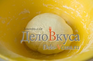 Пресное тесто для пельменей и вареников: Убрать тесто в теплое место