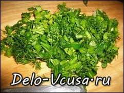 Омлет с картошкой, сосисками, зеленью и плавлеными сырками в духовке: фото к шагу 5