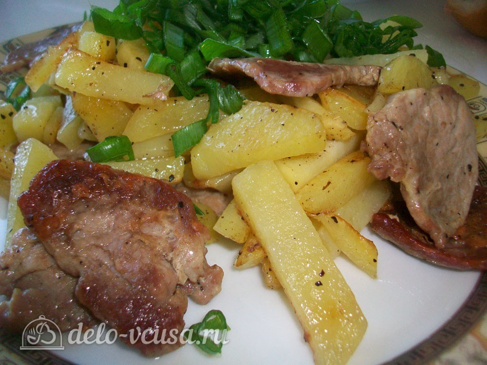 как приготовить свинину на сковороде с картошкой