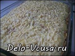 Пирог запекать в разогретой духовке при температуре 200* в течении 20-25 минут