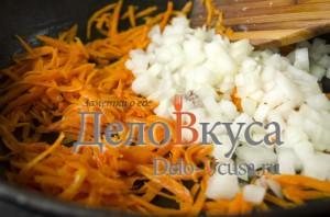 Суп рассольник: Морковку обжарить