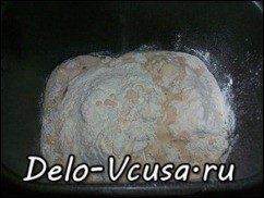 Хлеб белый с чесноком и зеленью (рецепт для хлебопечки): фото к шагу 6.