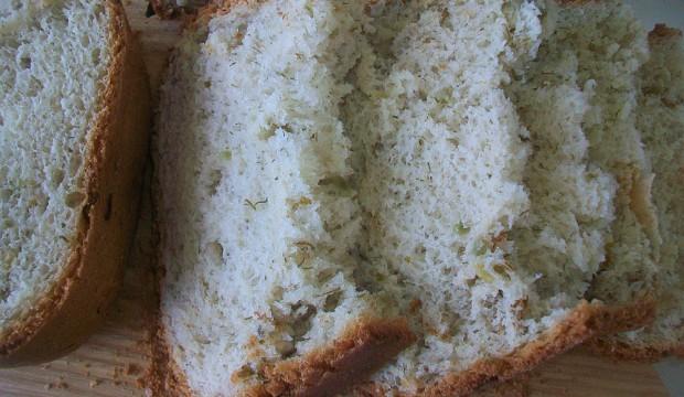 Хлеб белый с чесноком и зеленью (рецепт для хлебопечки)