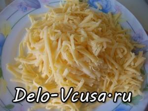 Картофельная запеканка с мясным фаршем и твердым сыром: фото к шагу 4.