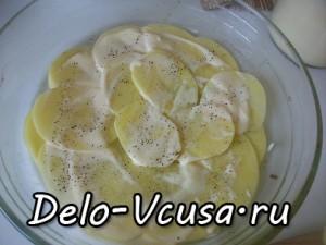Картофельная запеканка с мясным фаршем и твердым сыром: фото к шагу 7.