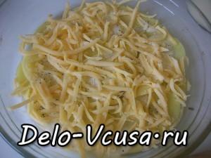 Картофельная запеканка с мясным фаршем и твердым сыром: фото к шагу 8.