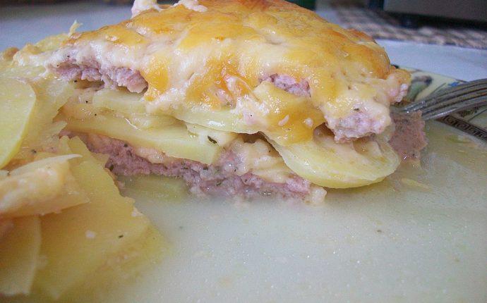 Картофельная запеканка с мясным фаршем и твердым сыром: фото к шагу 17.