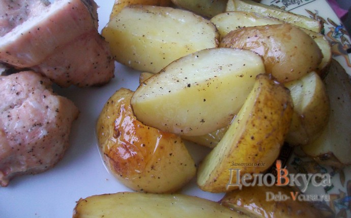 Картошка со шкуркой запеченная в духовке по-деревенски