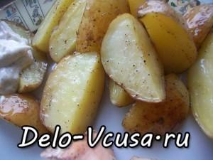 Картошка со шкуркой запеченная в духовке по-деревенски: фото к шагу 5