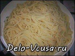 Спагетти с креветками и цукини: фото к шагу 11.