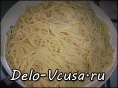 Отварить спагетти или макароны