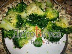Гарнир из брокколи с оливковым маслом и винным уксусом: фото к шагу 4.