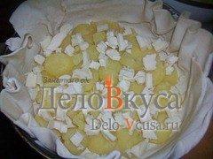 Пирог из слоёного теста с картошкой сыром Моцарелла и пармской ветчиной: фото к шагу 2.