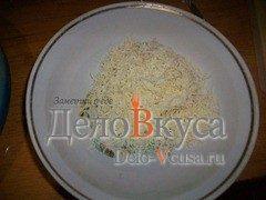 Пирог из слоёного теста с картошкой сыром Моцарелла и пармской ветчиной: фото к шагу 6.