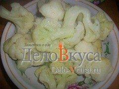 Гарнир из цветной капусты с оливковым маслом и чесноком: фото к шагу 3.