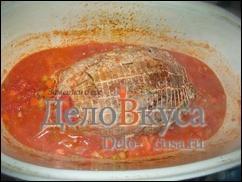 Тушим мясо на небольшом огне под крышкой в течении 1,5-2 часов