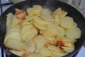 """Пирог из слоеного теста с картошкой, прошутто и сыром """"Скаморца"""": фото к шагу 2."""