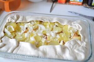 """Пирог из слоеного теста с картошкой, прошутто и сыром """"Скаморца"""": фото к шагу 7."""
