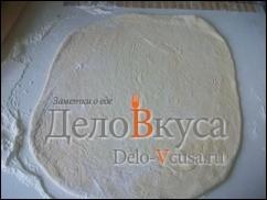Тесто раскатать в 2-3 мм. толщиной