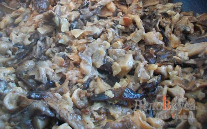 Жареные грибы со сметаной (грибная начинка для налистников, пирожков и вареников)