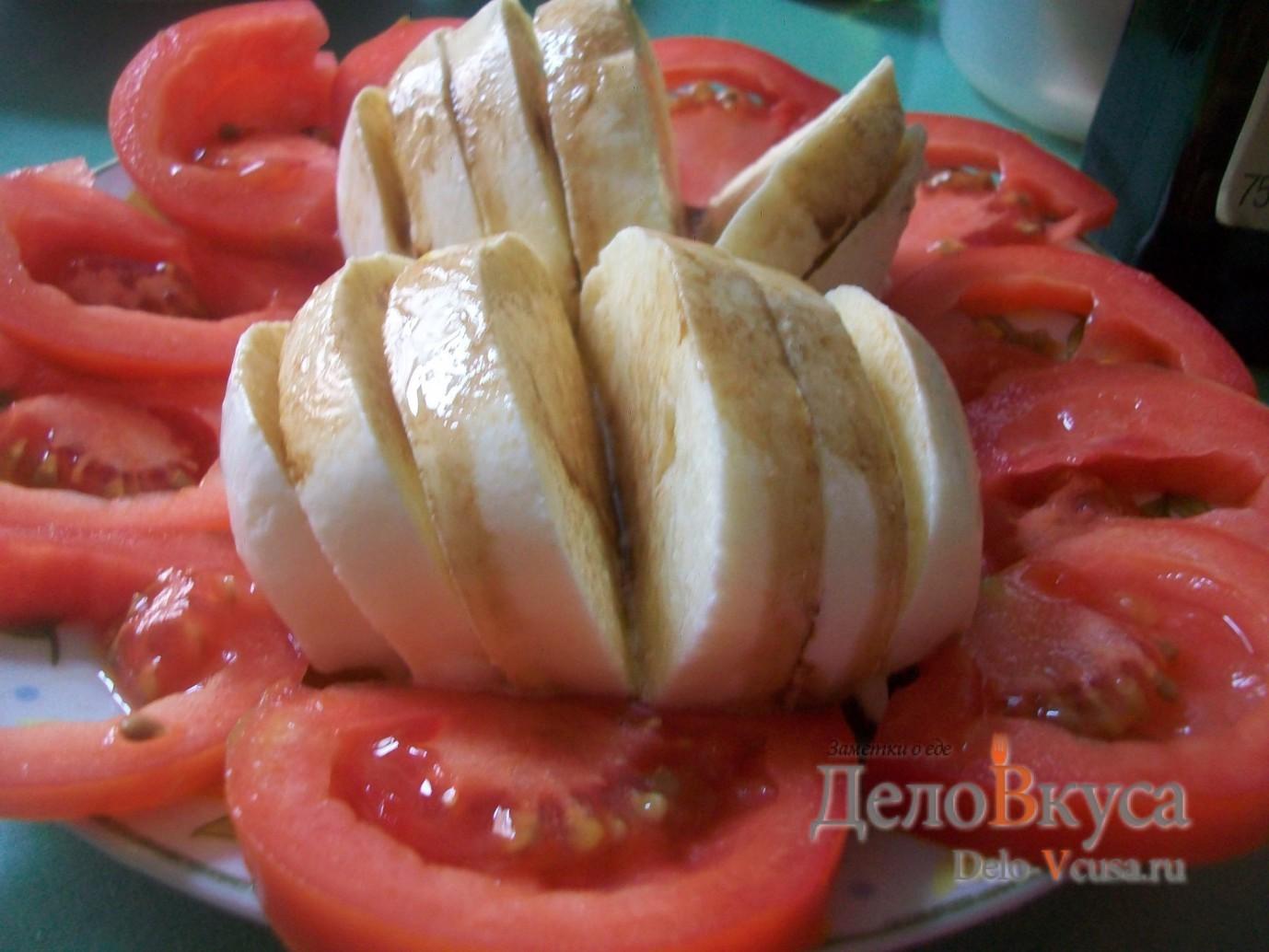 Закуска из помидор и сыра Моцарелла