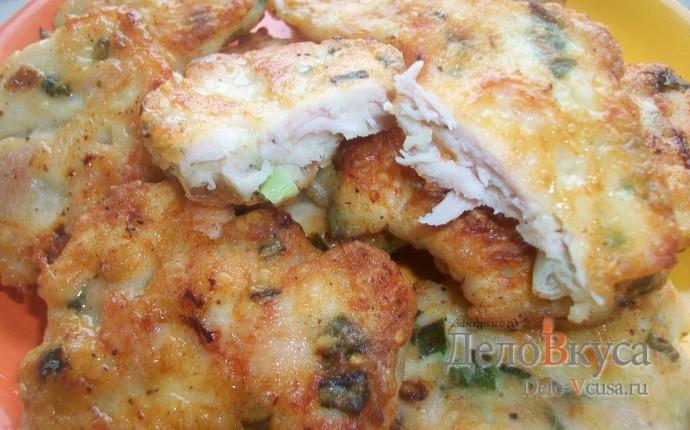Куриные котлеты с кунжутом и зеленым луком