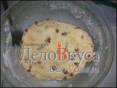 Творожные печенья с изюмом. Простое печенье с творогом и изюмом: фото к шагу 6