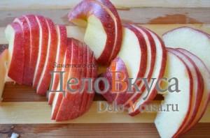 Тонко порезать яблоко