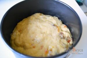 Панеттоне: Форму смазать маслом, уложить в форму тесто