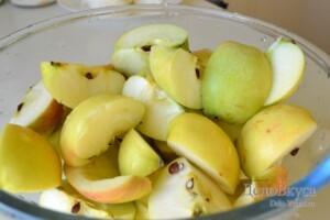 Компот из яблок и винограда: фото к шагу 1.