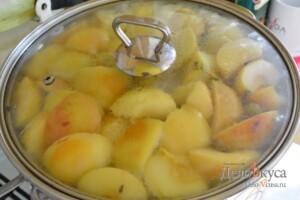 Компот из яблок и винограда: фото к шагу 5.