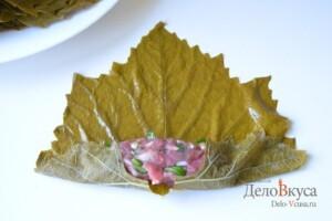 Долма из виноградных листьев: фото к шагу 11.