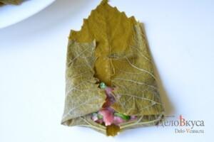 Долма из виноградных листьев: фото к шагу 12.