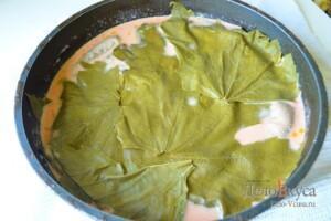 Долма из виноградных листьев: фото к шагу 18.