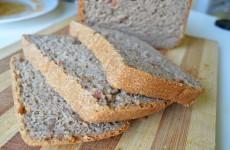 Ржаной хлеб с вяленым мясом