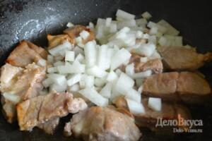 Жаркое по-домашнему с мясом и грибами: фото к шагу 3.