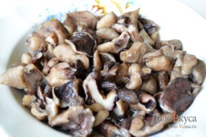Жаркое по-домашнему с мясом и грибами: фото к шагу 7.