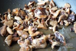 Жаркое по-домашнему с мясом и грибами: фото к шагу 9.