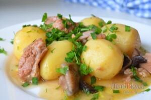 Жаркое по-домашнему с мясом и грибами: фото к шагу 16.