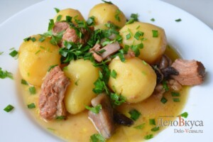 Жаркое по-домашнему с мясом и грибами: фото к шагу 15.