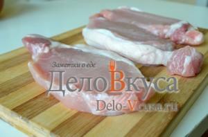 Отбивные из свинины: Мясо порезать