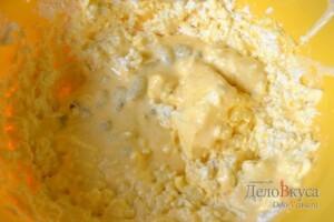 Львовский сырник: Добавить взбитые желтки с творогом