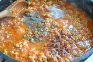 Соус Болоньезе с макаронами: фото к шагу 13