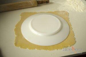 Торт медовик: Раскатать тесто