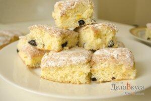 Лимонный пирог: Кладем пирог на тарелку