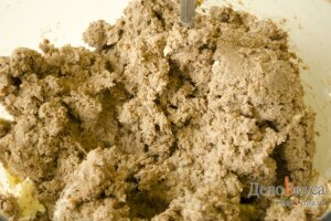 Паштет из печени: Добавить к паштету сливочное масло